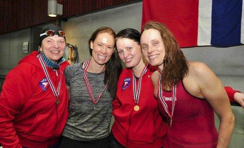ALLE VALØRER I ÅPNINGEN: Tone Grimsrud, Maina Fossum Green, Linn L. Aker og Linn Krogh Hansen tok medaljer på 800 fri.
