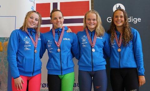 Millie Frech, Eline Vik, Eva Sofie Stangeland Martine Hallberg klarte bronsemedaljer på 4x200 fristil.