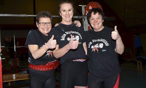 GULLTRIO: Kirsti Løken (f.v.), Inger Hedvig Bryn og Anita Stavik tok alle NM-gull på hjemmebane i Askimhallen lørdag.
