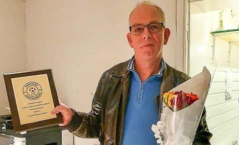 PRØVER PÅ NYTT: I høst ble Frank Finstad ble utnevnt til æresmedlem i Korsgård IF etter 31 år som leder og som grunnlegger av klubben. Nå etablerer han et nytt tilbud for dem han frykter ville falle utenfor tilbudet til nye Askim Fotball, som er en sammenslåing av nettopp Korsgård IF og Askim FK. ARKIVFOTO PRIVAT