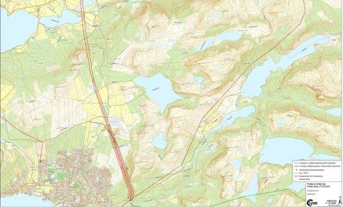 TRASEER: Alternativ 1 går fra Dalen kraftstasjon på Jørpeland og videre over Leite, Bjørheimsbygd, Holtaheia og fram til Årdalsfjorden. Alternativ 2 går gjennom Dalen, langs den nordvestlige siden av Liarvatnet, over Nedre Tysdalsvatn og videre til Årdalsfjorden. Kart: Lyse