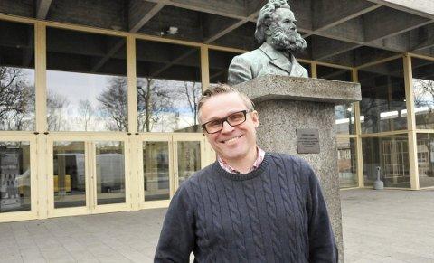 STENGT: Ibsenhuset vil være stengt fra til påske, opplyser Erik Rasted.