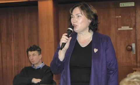 Averøyordfører Ingrid Rangønes (Ap) konstaterer at hun har fått et klart råd fra folket.