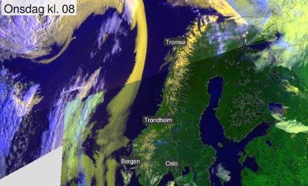 Et sjeldent syn, skriver Meteorologene på Twitter om dette satellittbildet av Norge helt uten skyer.