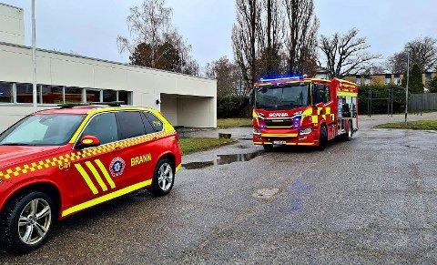 RASKT PÅ PLASS: Brannvesenet rykket etter melding om brann i lampe.