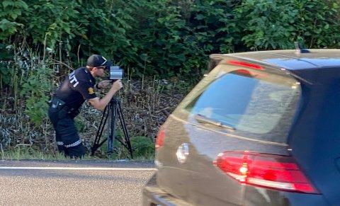 FULL KONTROLL: Bilistene så ikke politiet, men politiet så dem. Det ble en dyr lærepenge for enkelte.