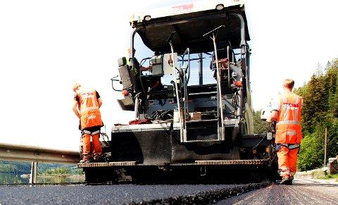 NY ASFALT: I 2021 skal det legges over 100.000 tonn asfalt i Midt-Norge.