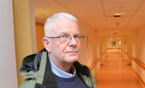 RUNDVASKER LOKALET: Daglig leder John Kenneth Nyhus i MS-senteret ser ikke bort fra at det kan bli behov for lokalene i Hakadal i den situasjonen helsevesenet står i med koronavirus.