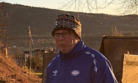 BEGERET SNART FULLT: Styreleder Dan Didriksen i Nygård borettslag sier det haglet med tekstmeldinger fra bekymrede naboer etter den væpna politiaksjonen mandag kveld.