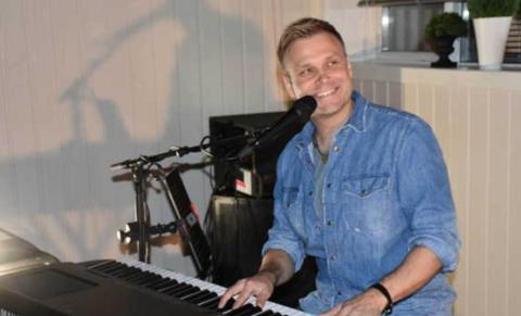 KONSERT PÅ ONSDAG: Sankthansaften spiller Christian Ingebrigtsen i Rotnes kirke.