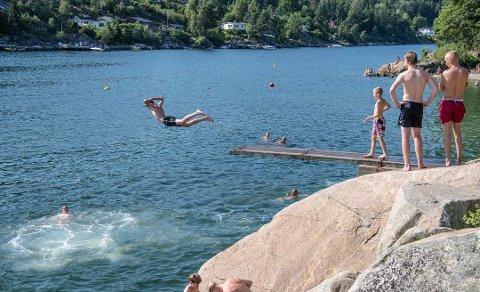 SOMMERVARME: Onsdag er det sommervær i Ås. Men hvor lenge varer det?