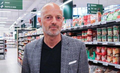 NEGATIV PÅVIRKNING: Bjørn Takle Friis, kommunikasjonsdirektør i Coop Norge, sier Coop vil ha færre mulighet til å konkurrere på mer enn pris enn det Kiwi har.  Foto: Nina Lorvik (Mediehuset Nettavisen)