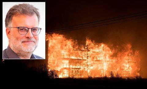Nødetatene og eksperter, deriblant Bjarne Christian Hagen ved HVL, fikk hakeslepp av hvor raskt brannen utviklet seg.