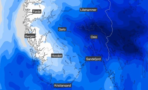 Værkartet til Meteorologisk institutt viser mørkeblått over Østlandet lørdag. Det betyr nedbør, men utover ettermiddagen skal de mørke skyene passere.