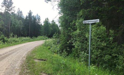 TRENER: Her i Bjørtjennsvegen ved Svarttjennet skal vindkraftutbyggeren og brannvesenet øve.