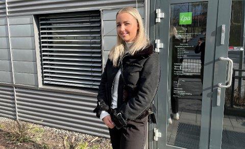 SATSER SELV: Amalie Nylænder (23) starter ny bedrift i Kongsvinger.