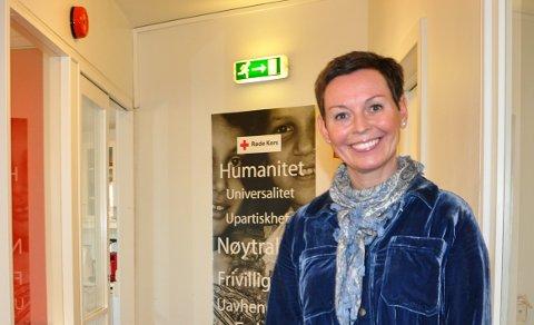 GIVENDE: Elin Heier Jorstad stortrives med å jobbe for Røde Kors. – Det er utrolig givende å jobbe med alle de engasjerte ansatte og frivillige i Røde Kors, sier hun.