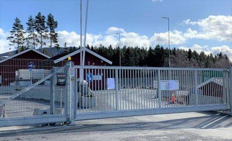 STENGT: Slik så det ut i Mohagen da Tarald Koller kom for å levere avfall mandag formiddag.