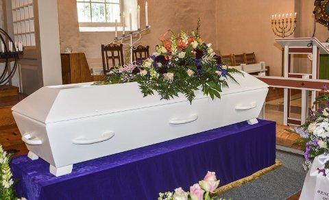 URETTFERDIG: Innsenderen ønsker slutt på urettferdigheten og at kremasjonsavgiften skal fjernes.