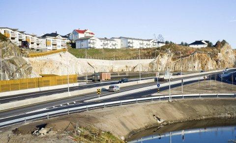 BOMPENGER: Krysset ved Førrestjørn på E 134 i Tysvær, er ett av mange prosjekt finansiert gjennom Haugalandspakken. Det pågår en revisjon av Haugalandspakken, men det drar ut i tid før rapporten blir ferdig.
