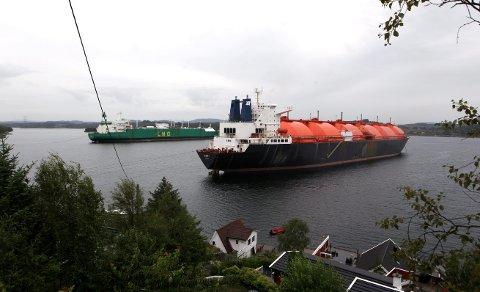 JEKTEVIKA: Ved Fosen i Førresfjorden har Karmsund Havn sin beste opplagsplass, ifølge havnedirektøren. Naboene er sterkt uenige.