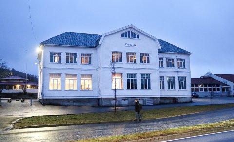 ROSSABØ: Ny rektor er ansatt.