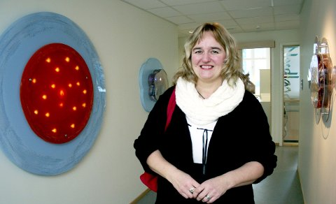 Utsmykning: Nye Mosjøen Tannklinikk åpnet i 2010. Mosjøværing og kunstner Anne Rita Nybostad sto for utsmykning av nybygget. 9. mai åpnes ei utstilling i Rana med hennes arbeider.