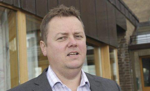 VIL HA SVAR: Fylkesordfører Runar Sjåstad (Ap) ber om et svar fra Avinors konsernsjef.FOTO: ALF HELGE JENSEN