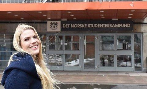 AKTUELL: Marianne Lindbeck er aktuell som Mrs. Boyle i oppsetningen av The Mousetrap på Teater Neuf. FOTO: KRISTINE EID
