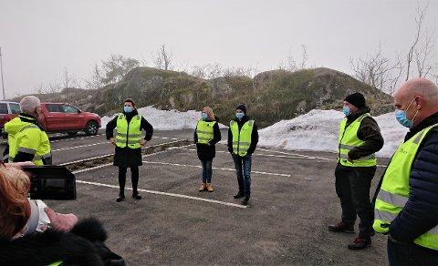 BEFARING: Hovedutvalg for plan og bygg har tidligere vært på befaring ved Nepa i Rørvik. F.v.: havnefogd Svein Arne Walle, utvalgsleder Henriette Fluer Vikre (Frp), Henny Nesland (Frp), Emil Lønne Fredriksen (Sp), Terje Mindrebø (Rødt) og Christian Wiik (KrF).