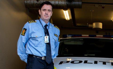 HÅPER PÅ AVKLARING: Politisjef Ketil Finstad-Steira har merket seg den tøffe arbeidssituasjonen blant nyutdannede, og håper på en rask avklaring.