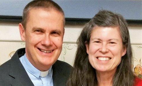 Pastor Tim Peterson og kona Donadee gjester Hunn kirke lørdag 9.mars.