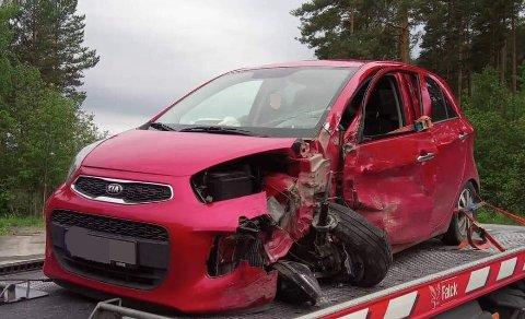 SMELL: Det ble store skader på bilene.