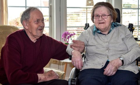 SAMMEN IGJEN: Etter å ha levd atskilt i to år, har Arvid (95) og Ruth (93) Glimsdal nå fått flytte sammen igjen i felles omsorgsleilighet på Fjellvoll .