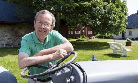Mons Fredrik Kjørlaug angrer ikke i dag at han kjøpte Tanum gård usett. Foto: Kjersti Bache