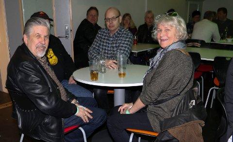 LANGVEGSFARENDE:  Inger Johanne Enger kom helt fra Porsanger for å oppleve Contenders. Her sammen med Tor Arne Rønning, til venstre, og Ole Petter Benterud.