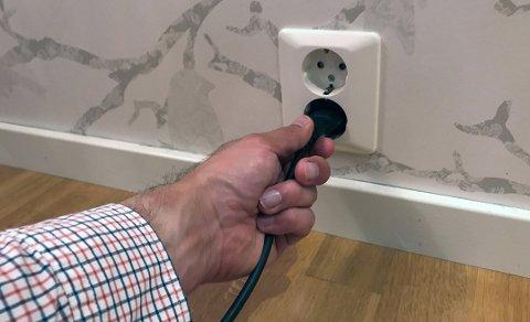Ved mistanke om feil på det elektriske anlegget, anbefaler Direktoratet for samfunnssikkerhet og beredskap (DSB) at eier kontakter en registrert elvirksomhet for kontroll. Foto: If/ANB