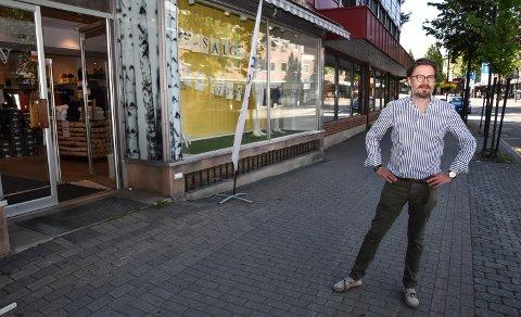 GÅR FOR SØNDAGSHANDEL: Tore Søsveen og Elverum Sentrumsforening.