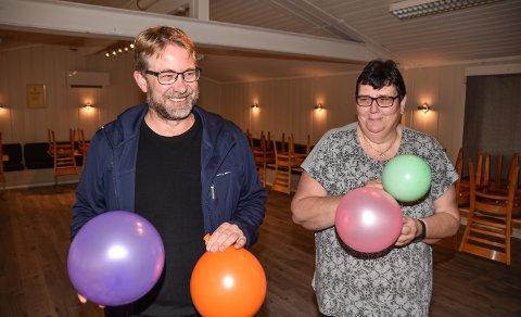 BALLONGMORO: Nils Richard Melby og Anita Dyrvik låner ut Speiderhuset til bursdagsselskaper.