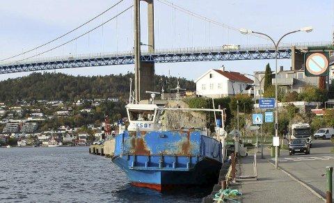 FERGEKAI: Langbrygga er ferjekai i Brevik i dag. Det er forslag om båtplasser her.