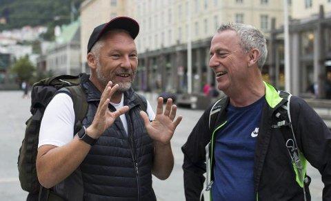 FORNØYD: Sjefredaktør Ove Mellingen i Telemarksavisa er fornøyd med tallene. Her sammen med tidligere PD-redaktør Are Stokstad som nå er konsernsjef i Amedia.