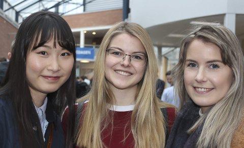 MØTTE BEDRIFTER: Studentene Hyeonyoung Kvak, Cecilie Gløsmyr og Ragnhild Moldesæther fikk møte mange bedrifter under årets karrieredag.