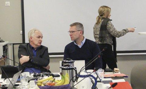 AVSLAG: Både kommunalsjef Per Sortedal (t.h.) og utvalgsleder Trond Ingebretsen sier nei til søknaden. Fem kvadrat over grensa kan føre til mer utbyggingspress på Dikkon, mener kommunen.