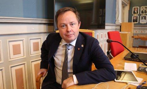 INGEN MISTANKE: Ordfører Robin Kåss kan berolige Burger Kings gjester.