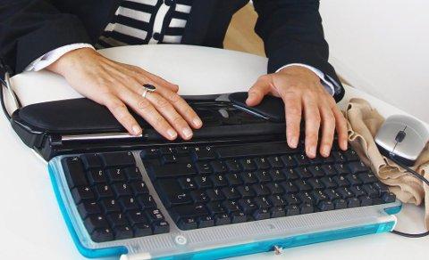 Det er ikke alltid like lett å hamre løs på tastaturet.Foto: Pressebilde/Contour Design