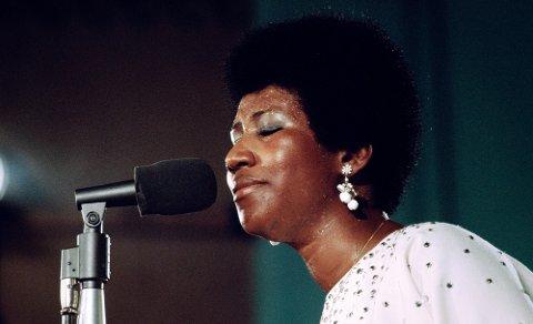 AMAZING GRACE: Filmen fanger opp den da 29 år gamle Aretha Franklin midt i sin storhetstid, der du får følelsen av å være i rommet og være vitne til ett av gospelhistoriens store høydepunkter.