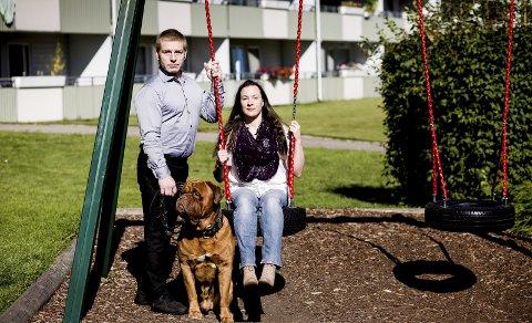 Kjemper for datteren: Vibeke Morrissey og Ken Joar Olsen nekter å gi opp kampen for datteren som ble tatt fra dem umiddelbart etter at hun ble født i januar i fjor. Foto: Tom Gustavsen