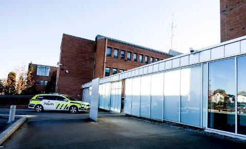 ETTERFORSKER: En mann i 30-årene fra Romerike ble 31. januar pågrepet av politiet, siktet for overgrep mot sin datter. Politiet opplyser at de nå «etterforsker en alvorlig sak.»