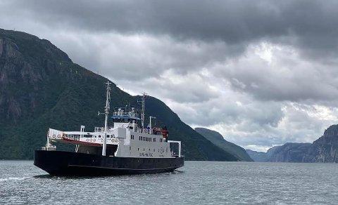 TURISTFERJA: Kolumbus og Lysefjorden Utvikling har foreslått at et nytt fartøy med lav- eller nullutslipp fra 2023 skal erstatte kombibåten og turistferja på Lysefjorden.Arkivfoto