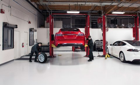 Tesla vurderer å etablere et service-verksted i Steinkjer, og søker etter åtte bilmekanikere.